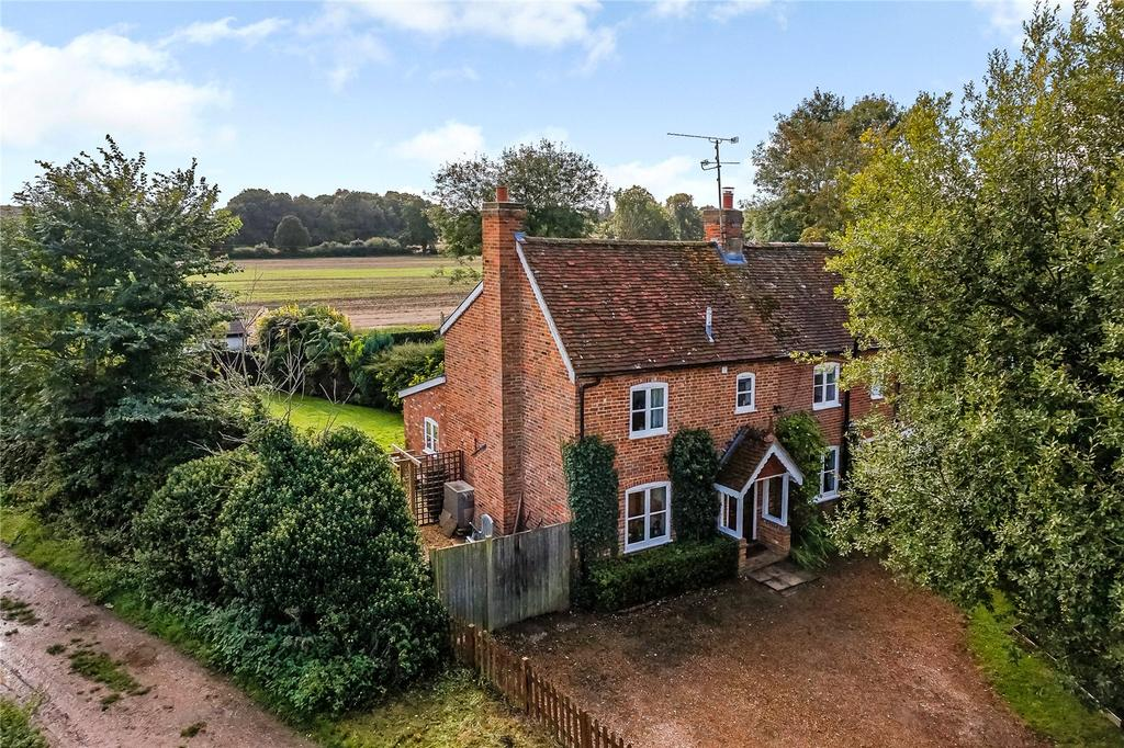 3 Bedrooms House for sale in The Street, Rotherwick, Hook, Hampshire