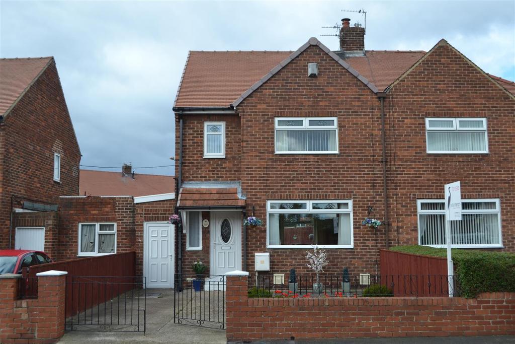2 Bedrooms Semi Detached House for sale in Rydal Mount, Castletown, Sunderland