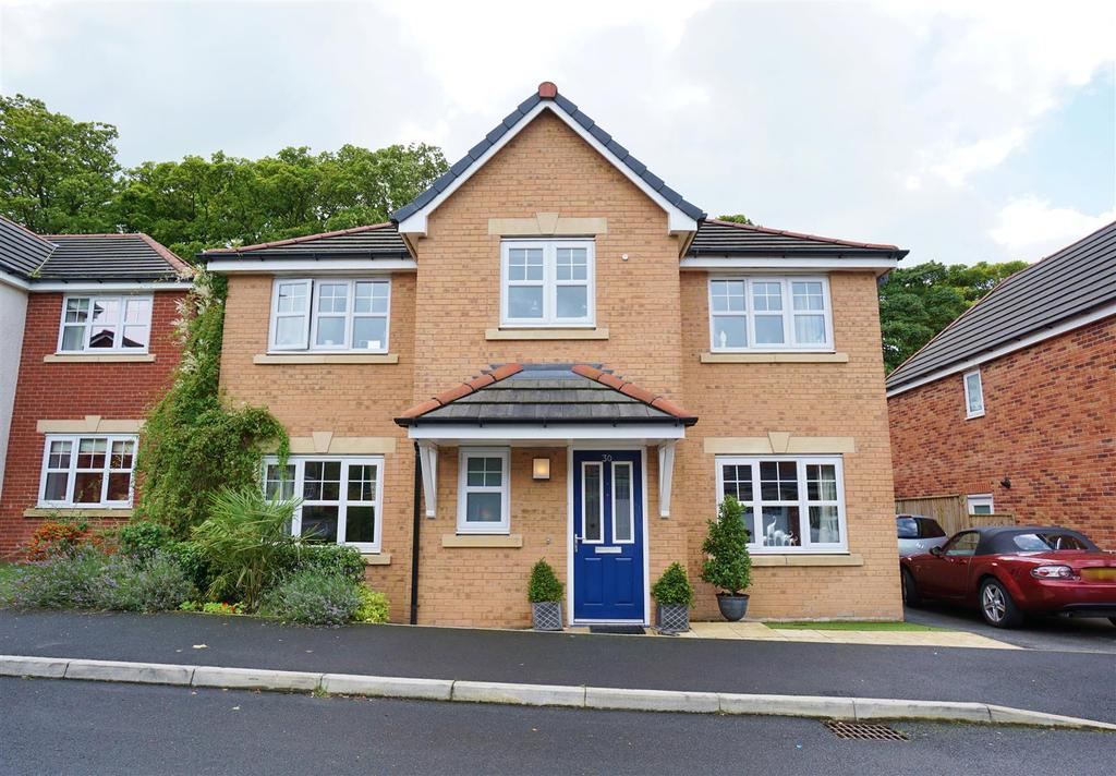 4 Bedrooms Detached House for sale in Ashburn Close, Barrow