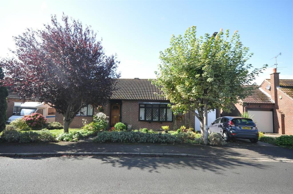 2 Bedrooms Detached Bungalow for sale in Low Well Park, Wheldrake, York