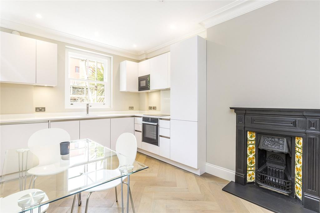 2 Bedrooms Flat for sale in Royston House, Sulgrave Road, London, W6