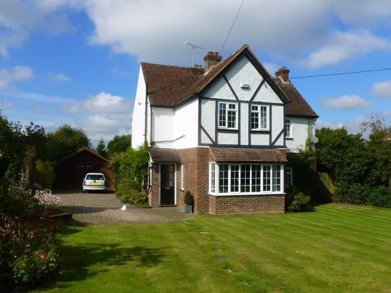 4 Bedrooms Detached House for sale in North Street, Biddenden, Kent, TN27 8BA
