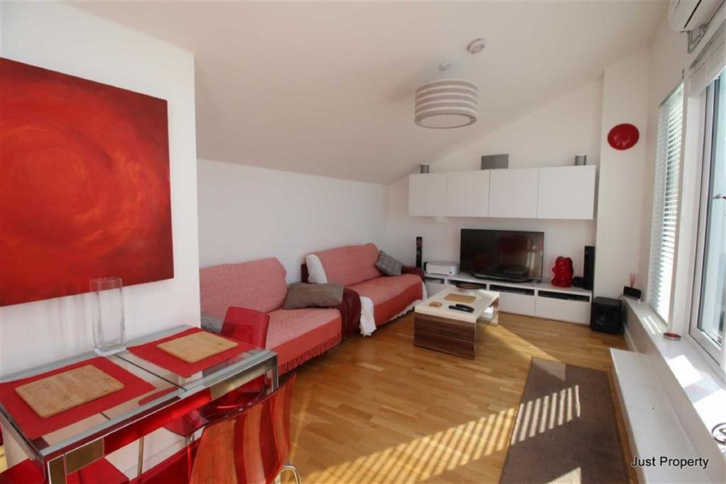 2 Bedrooms Penthouse Flat for sale in Marina, St Leonards On Sea