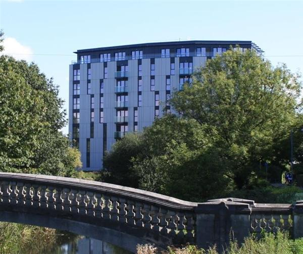 2 Bedrooms Apartment Flat for sale in Fourth Floor Apartment, Century Tower, Central Chelmsford