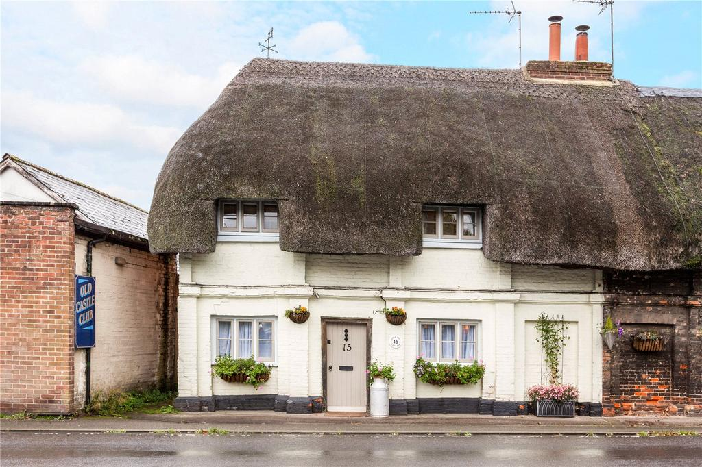 2 Bedrooms End Of Terrace House for sale in Castle Street, Ludgershall, Andover, Hampshire