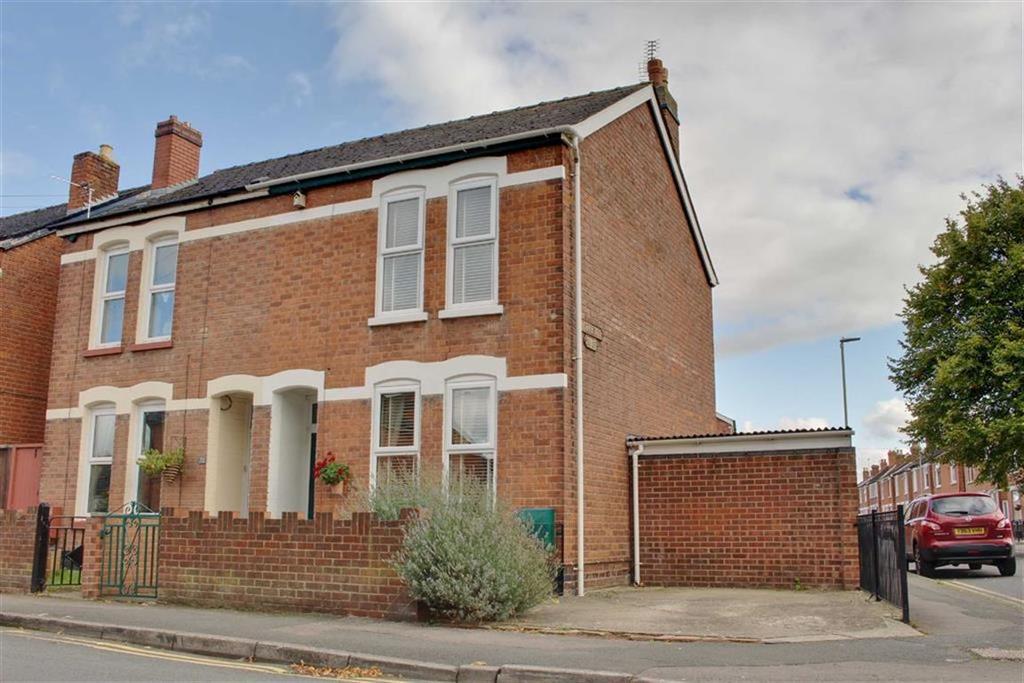 3 Bedrooms Semi Detached House for sale in St Aldwyn Road, Gloucester