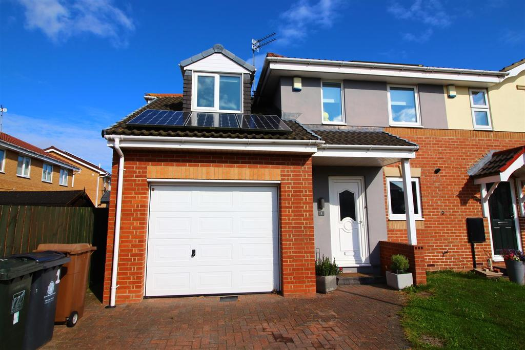 3 Bedrooms Semi Detached House for sale in Stagshaw, Killingworth, Newcastle Upon Tyne
