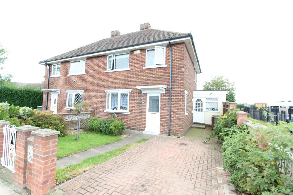 3 Bedrooms Semi Detached House for sale in Trinity Road, Cleethorpes