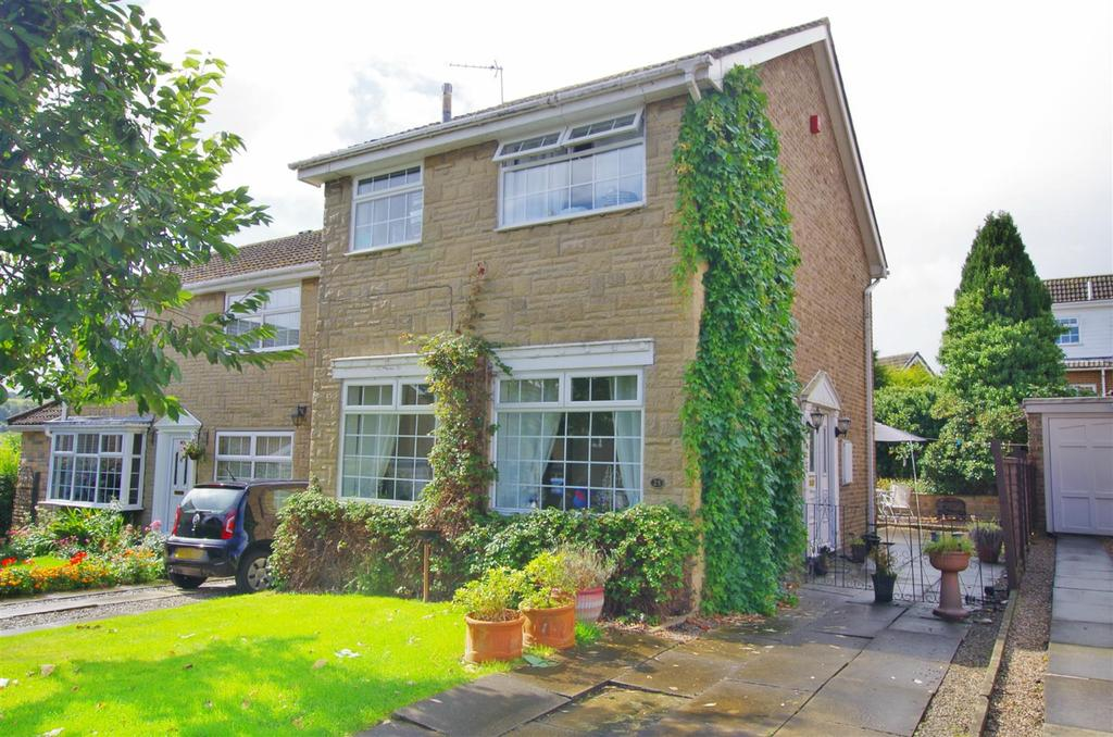 3 Bedrooms Detached House for sale in Templars Close, Greetland, Halifax