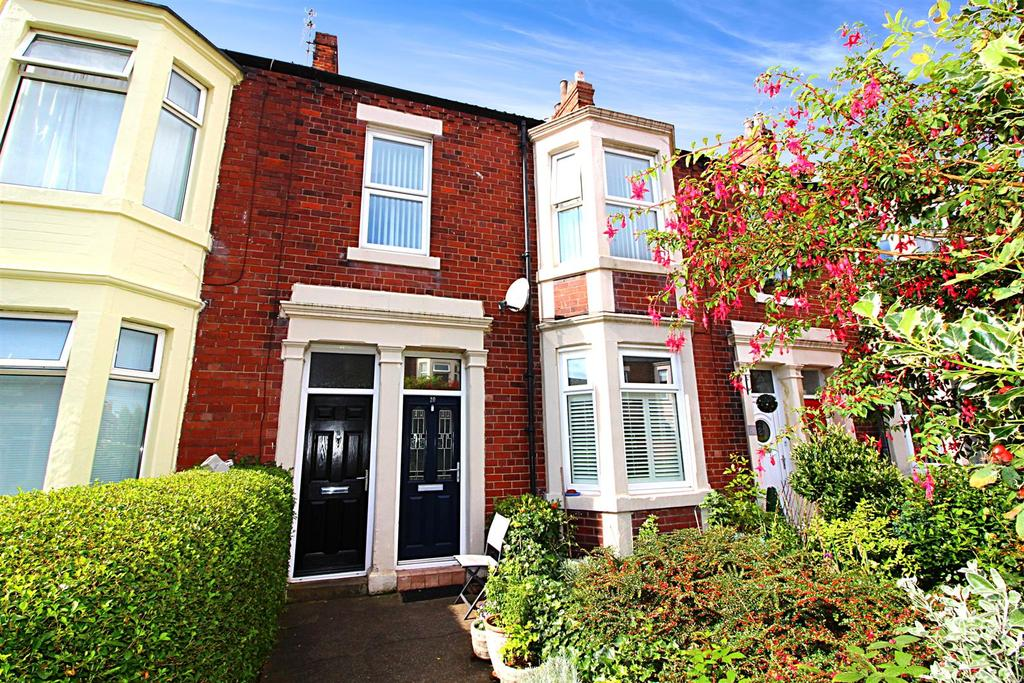 3 Bedrooms Maisonette Flat for sale in Hulne Avenue, Tynemouth