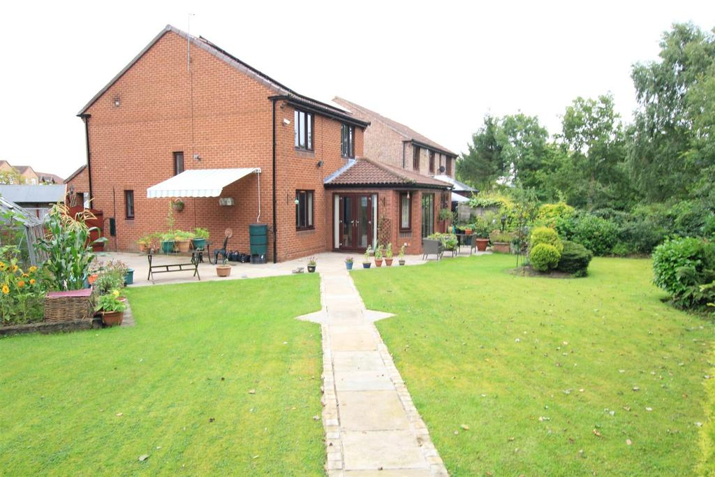 3 Bedrooms Detached House for sale in The Grange, Woodham