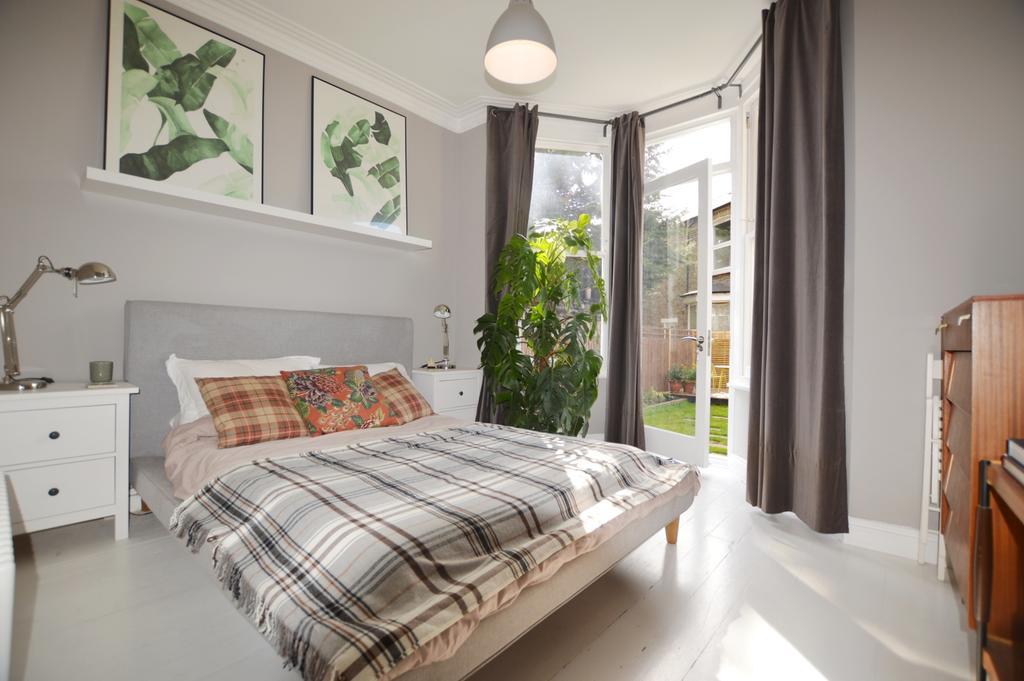 2 Bedrooms Flat for sale in St. Asaph Road Brockley SE4