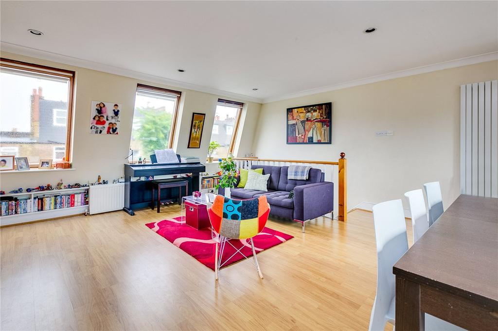 3 Bedrooms Flat for sale in Fulham Palace Road, Fulham, London
