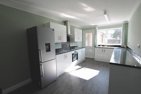 3 bedroom house to rent - The Garth, HU16