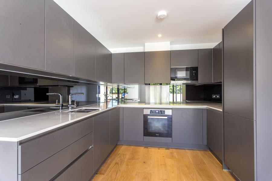 2 Bedrooms Apartment Flat for sale in 4 Post House Apartments, Woodford Green