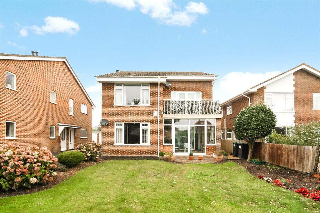 2 Bedrooms Flat for sale in Tuckton Road, Bournemouth, Dorset, BH6