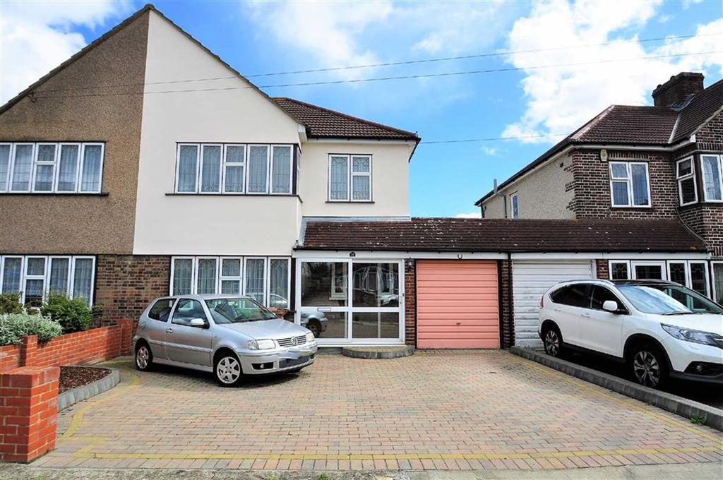3 Bedrooms Semi Detached House for sale in Blackthorn Grove, Bexleyheath