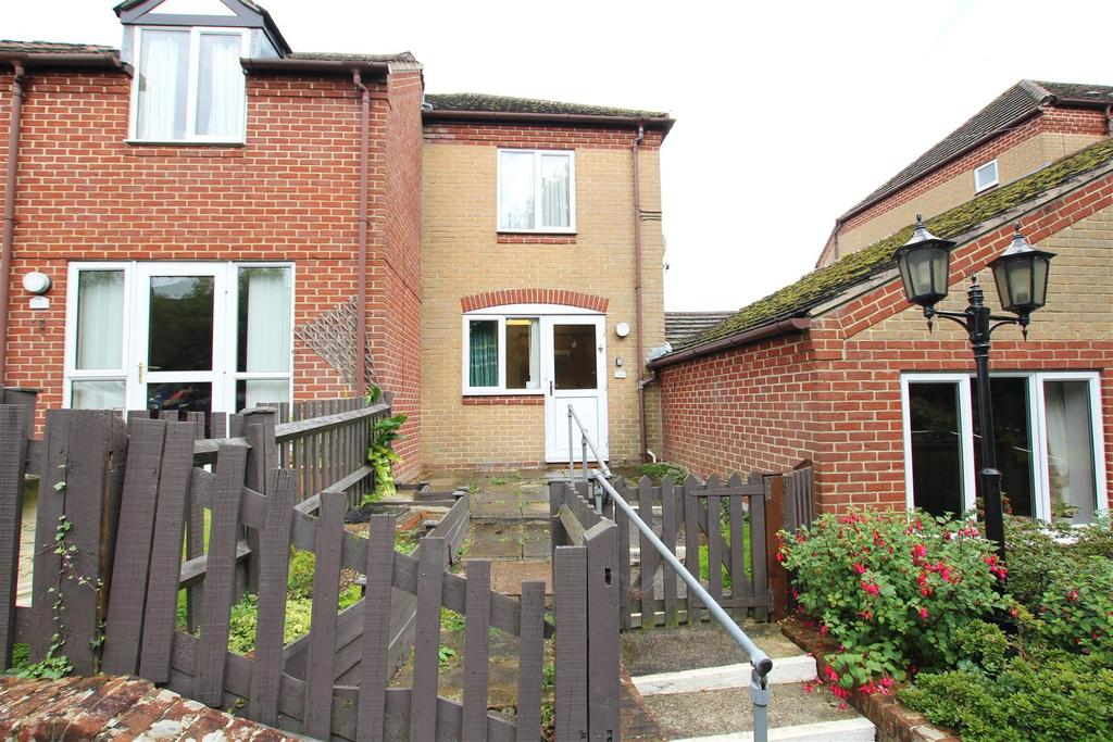 2 Bedrooms Cottage House for sale in Mortimers Lane, Fair Oak, Eastleigh