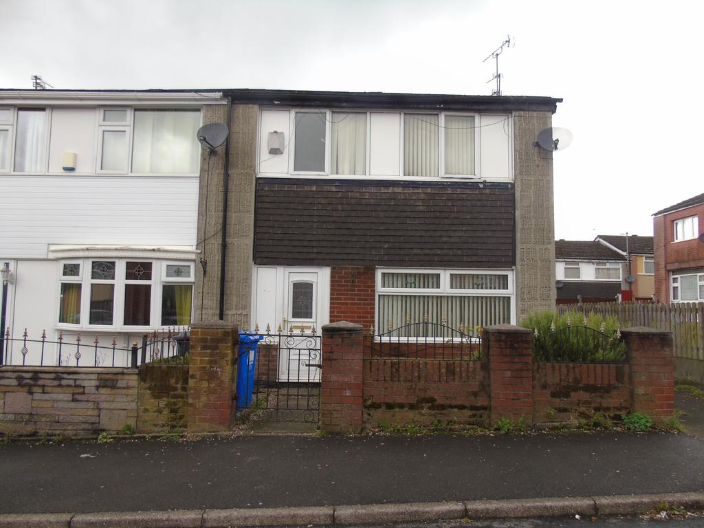 3 Bedrooms Semi Detached House for sale in Smithy Grove, Ashton-under-Lyne OL6