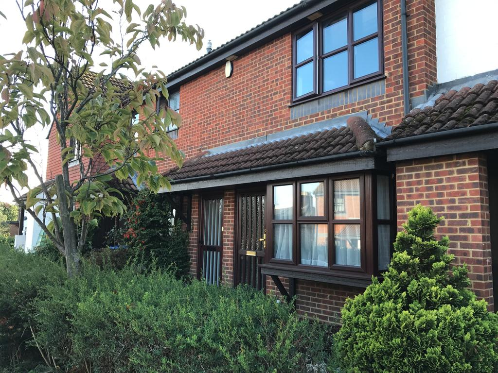 1 Bedroom Flat for sale in Englefield Close, Englefield Green