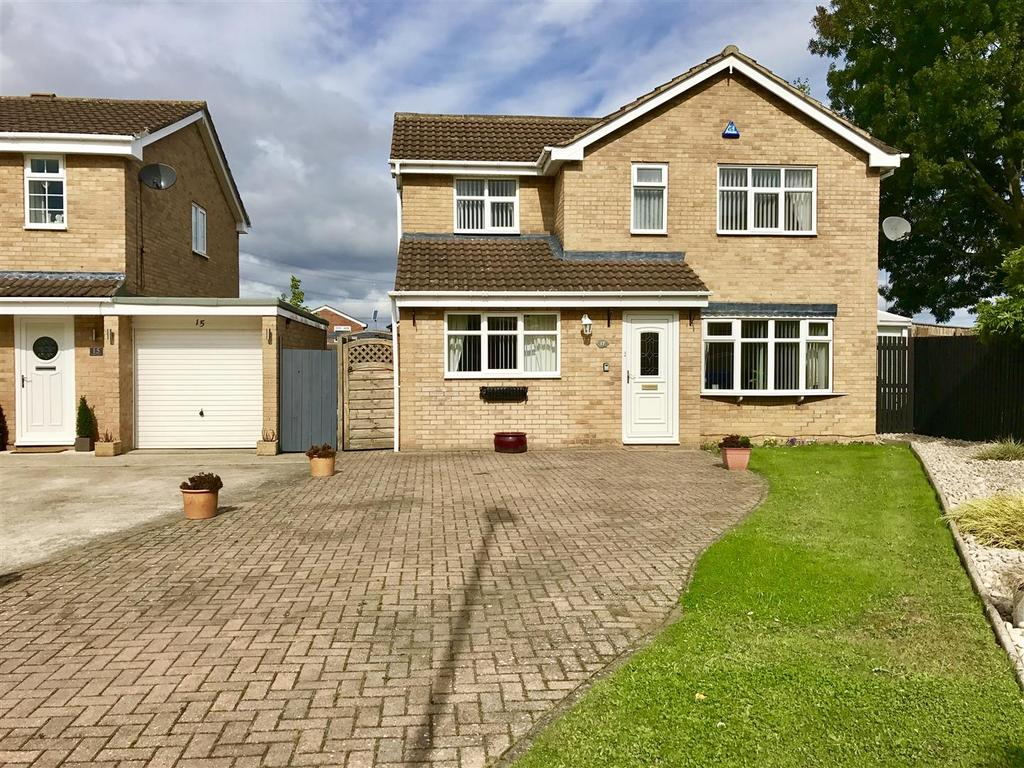 4 Bedrooms Detached House for sale in Griffiths Close, Yarm