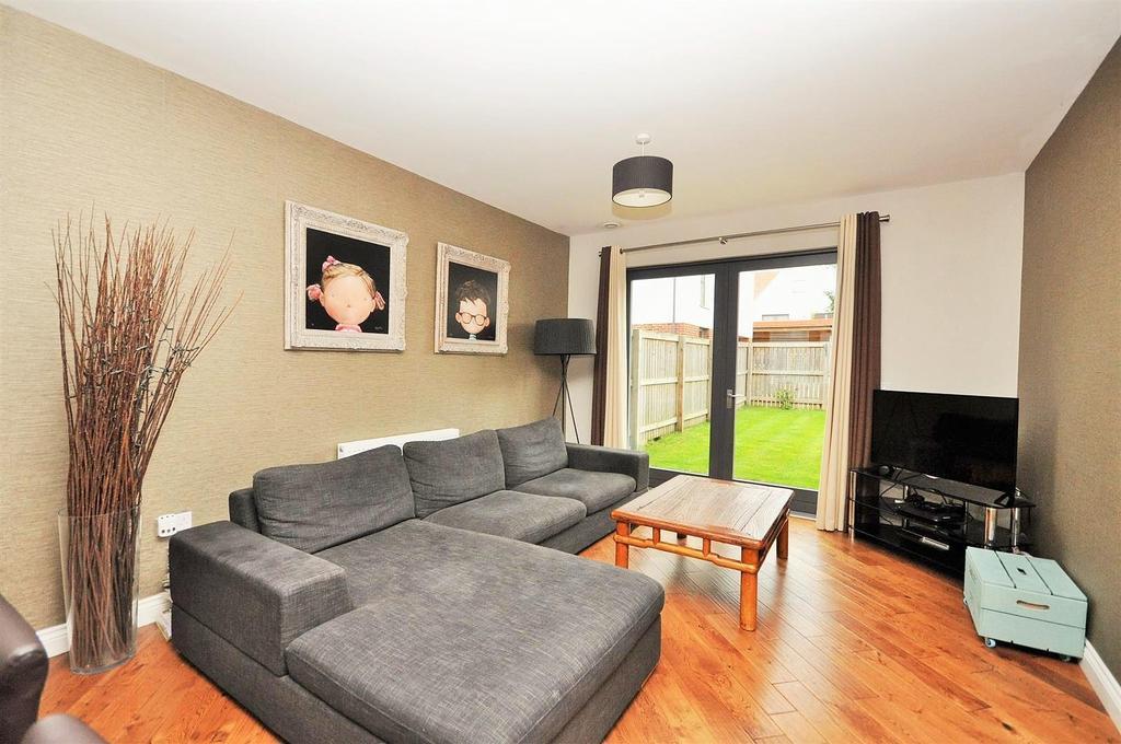 3 Bedrooms Town House for sale in Derwent Way, Osbaldwick, York, YO10 3BF