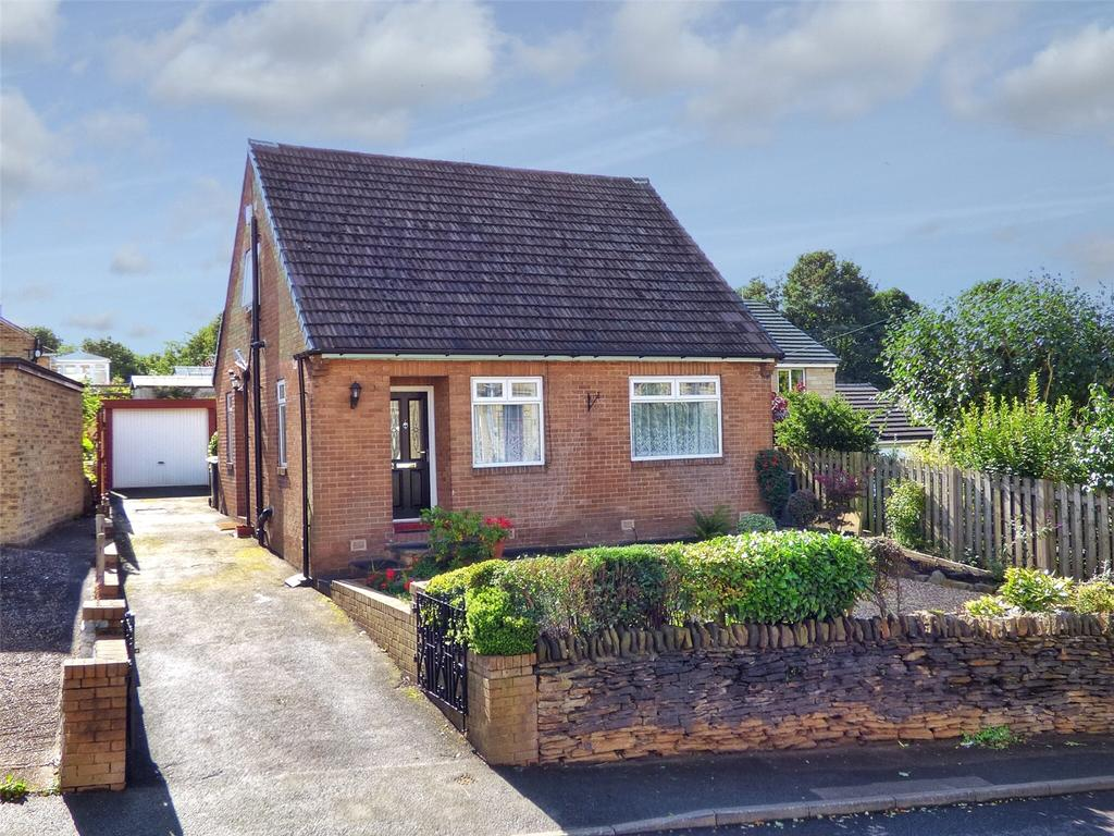 2 Bedrooms Detached Bungalow for sale in Station Road, Fenay Bridge, Huddersfield, West Yorkshire, HD8