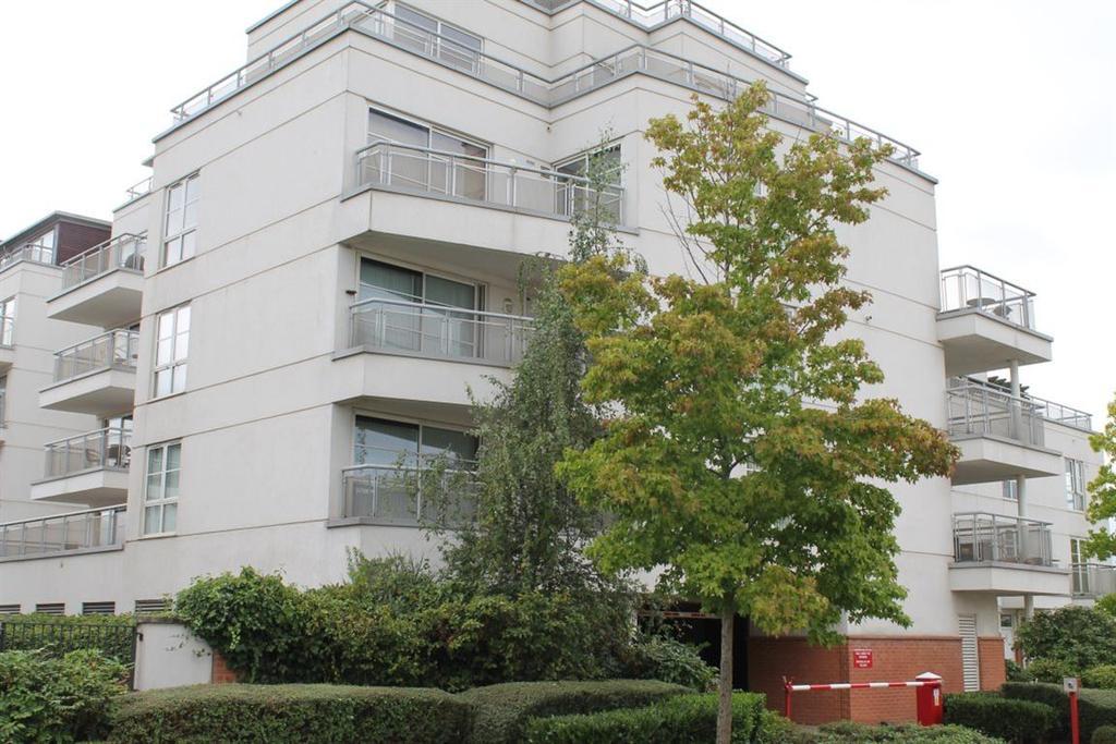 3 Bedrooms Flat for rent in Watkin Road, Freemans Meadow