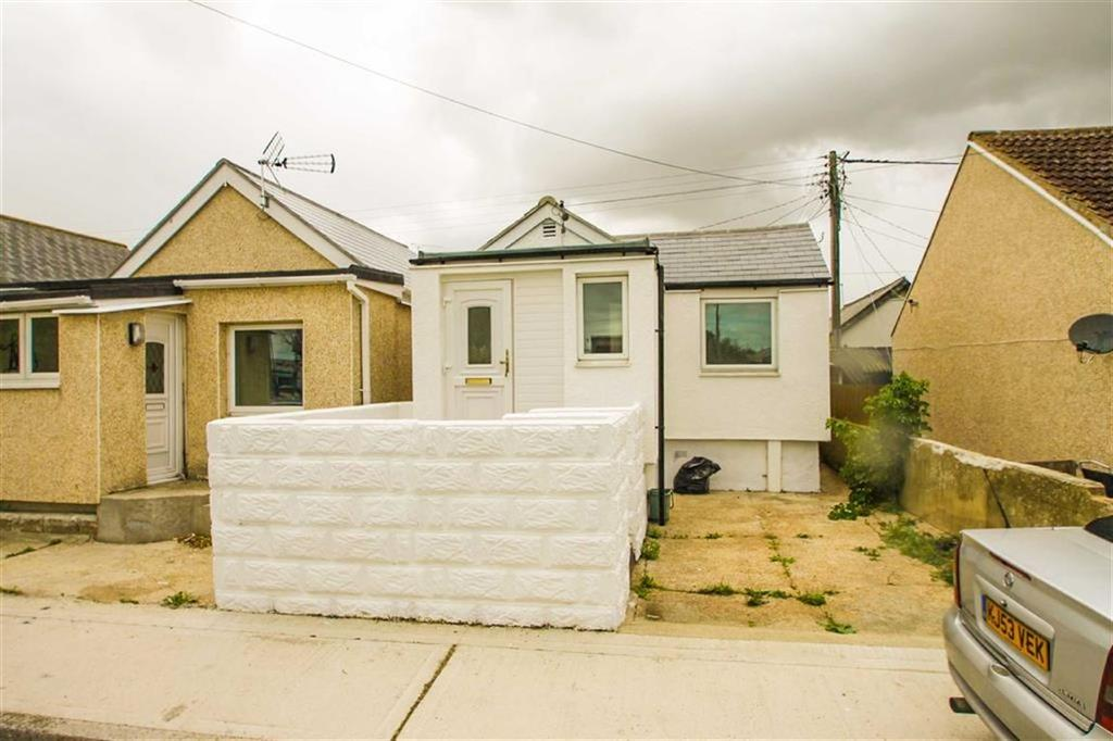 2 Bedrooms Detached Bungalow for sale in Brooklands Gardens, Jaywick