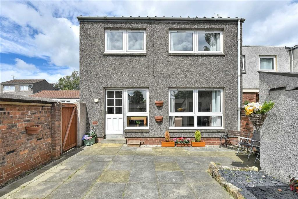 3 Bedrooms Semi Detached House for sale in Straiton Wynd, St Andrews