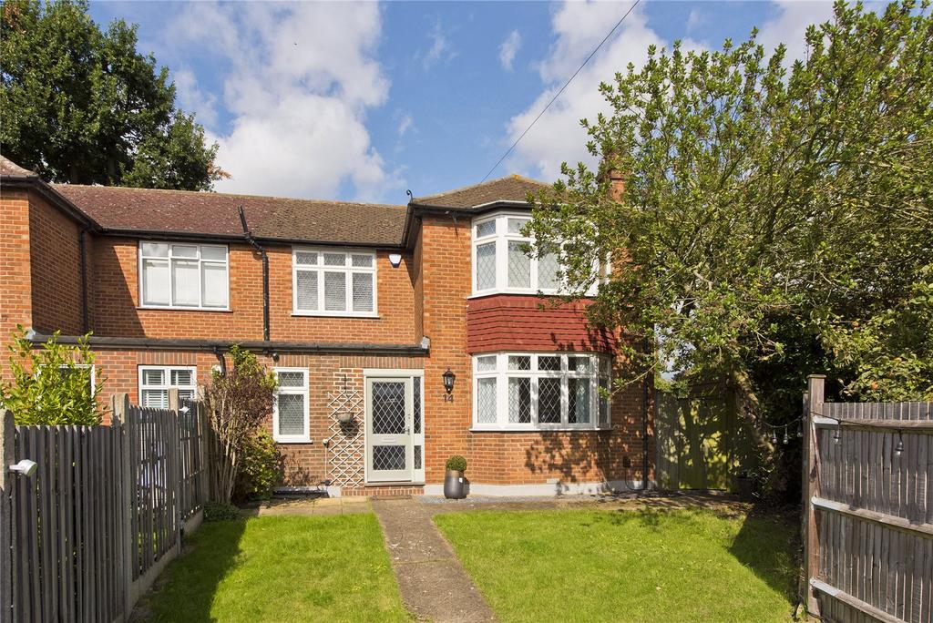 3 Bedrooms Semi Detached House for sale in Montrose Walk, Weybridge, KT13