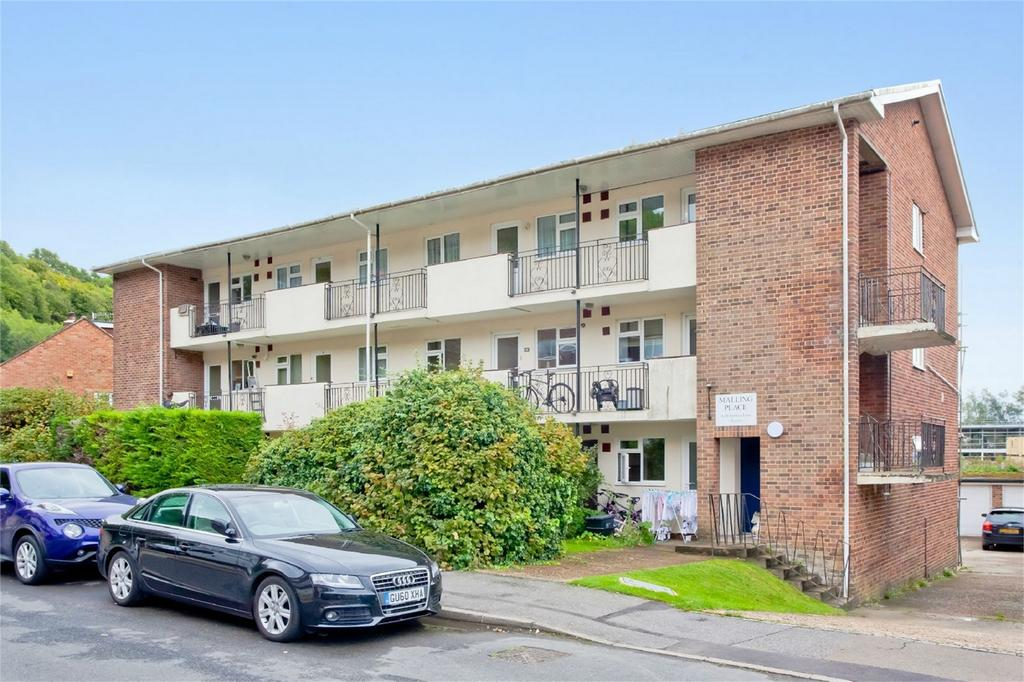 2 Bedrooms Flat for sale in Spences Lane, Lewes, East Sussex
