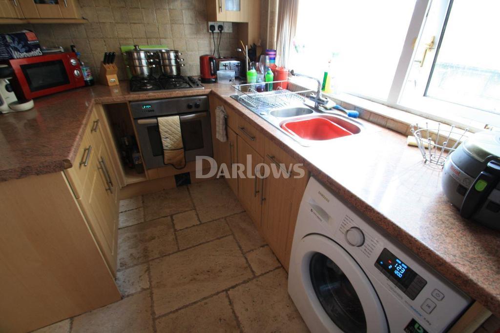 3 Bedrooms Semi Detached House for sale in Osborne Road, Brynmawr, Blaenau Gwent