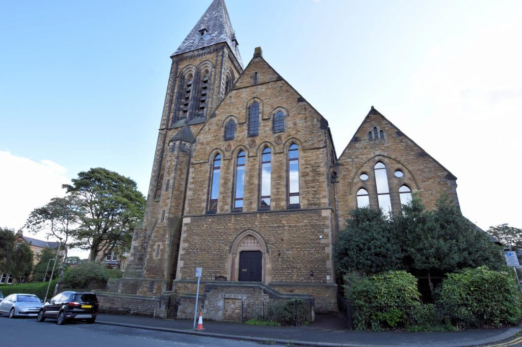 2 Bedrooms Apartment Flat for sale in Trinity Church Court, Scarborough, North Yorkshire YO11 2TR