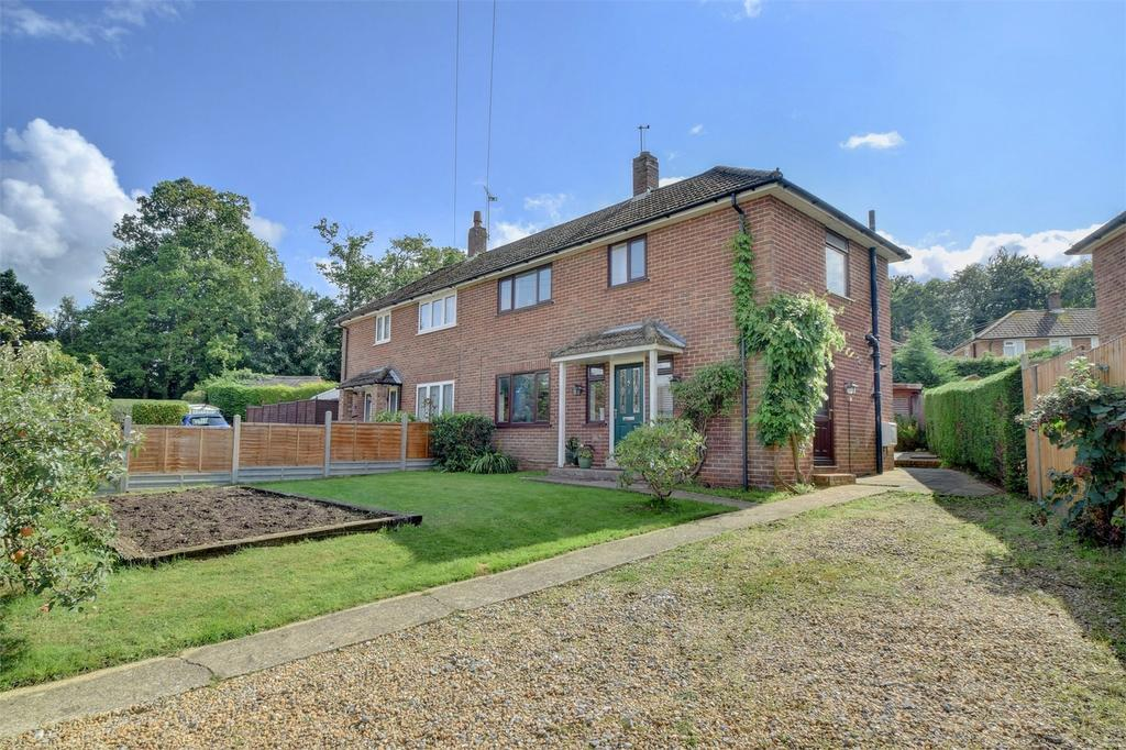 2 Bedrooms Semi Detached House for sale in Cardew Road, LISS, Hampshire