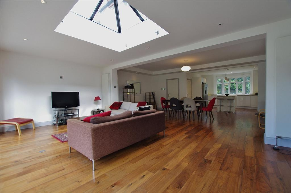 4 Bedrooms Detached House for sale in Manor Road, Watford, Hertfordshire, WD17