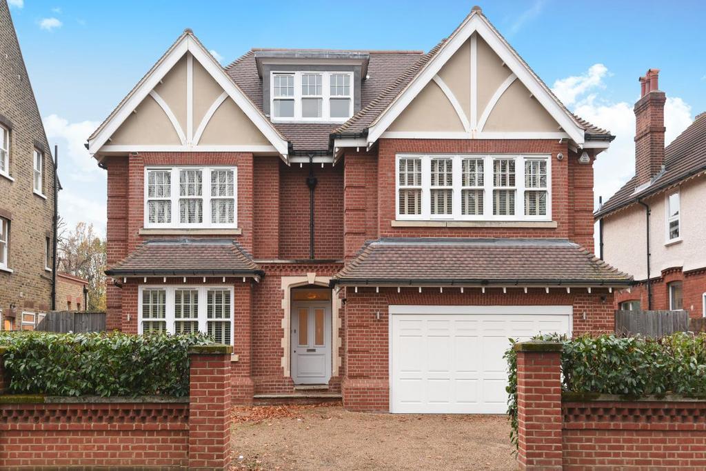 6 Bedrooms Detached House for sale in Garden Road, Bromley