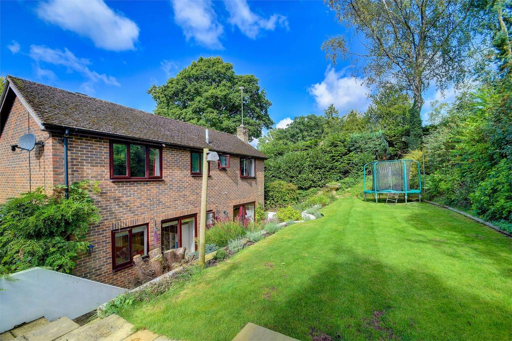 4 Bedrooms Detached House for sale in Beech Hill Road, Headley, Hampshire