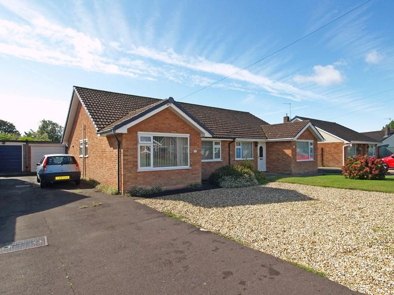 2 Bedrooms Bungalow for sale in Havelock Way, Highcliffe, Christchurch