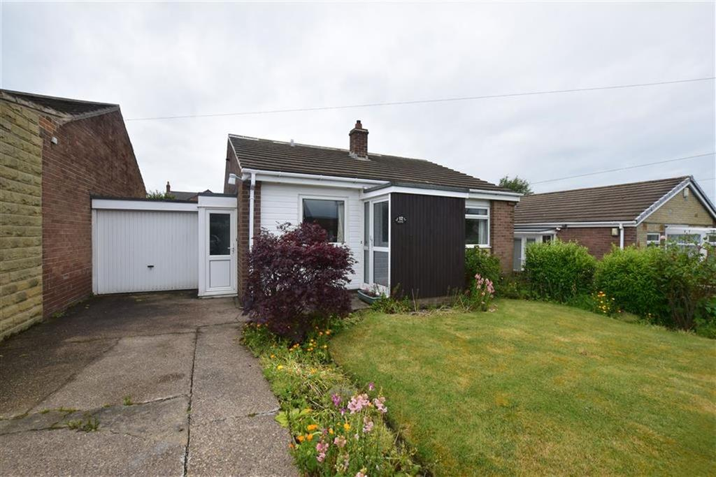 2 Bedrooms Detached Bungalow for sale in Rishworth Avenue, Emley, Huddersfield, HD8