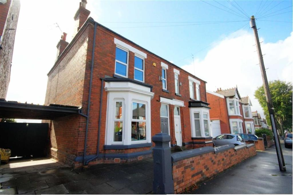 4 Bedrooms Semi Detached House for sale in Kiln Lane, Dentons Green, St Helens, WA10