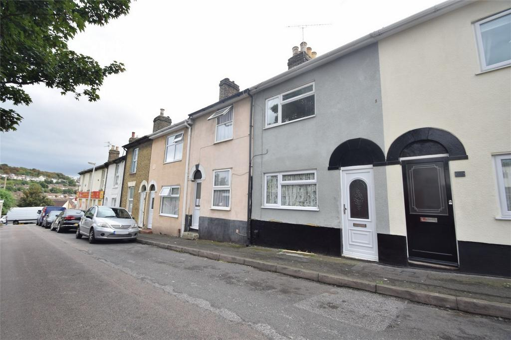 2 Bedrooms Terraced House for sale in Cromwell Terrace, Chatham, Kent