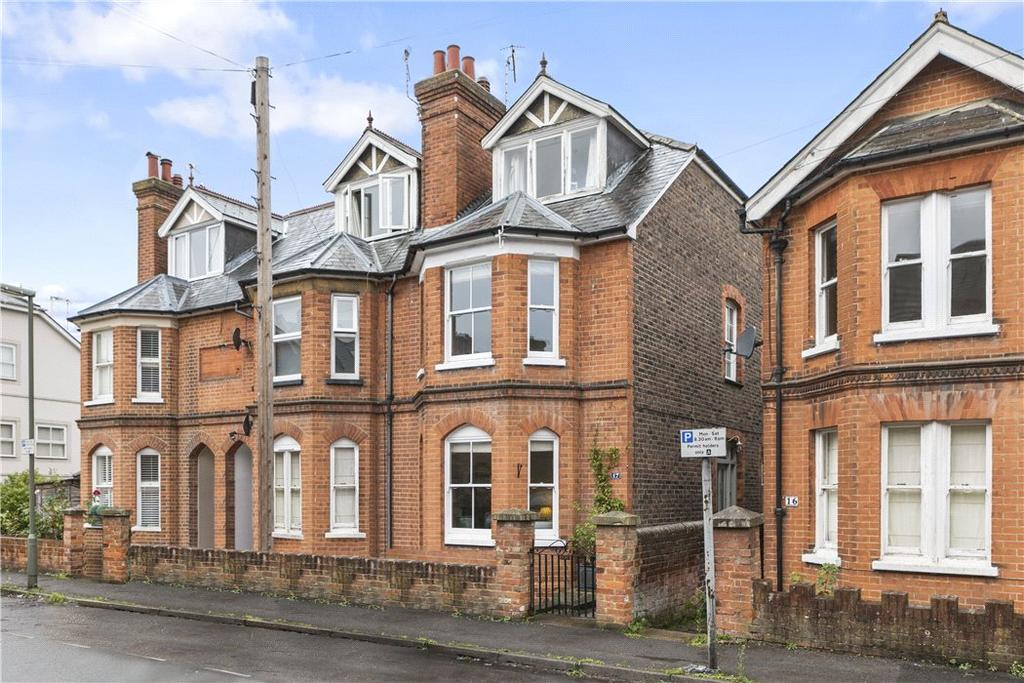 4 Bedrooms Semi Detached House for sale in Victoria Road, Guildford, Surrey, GU1