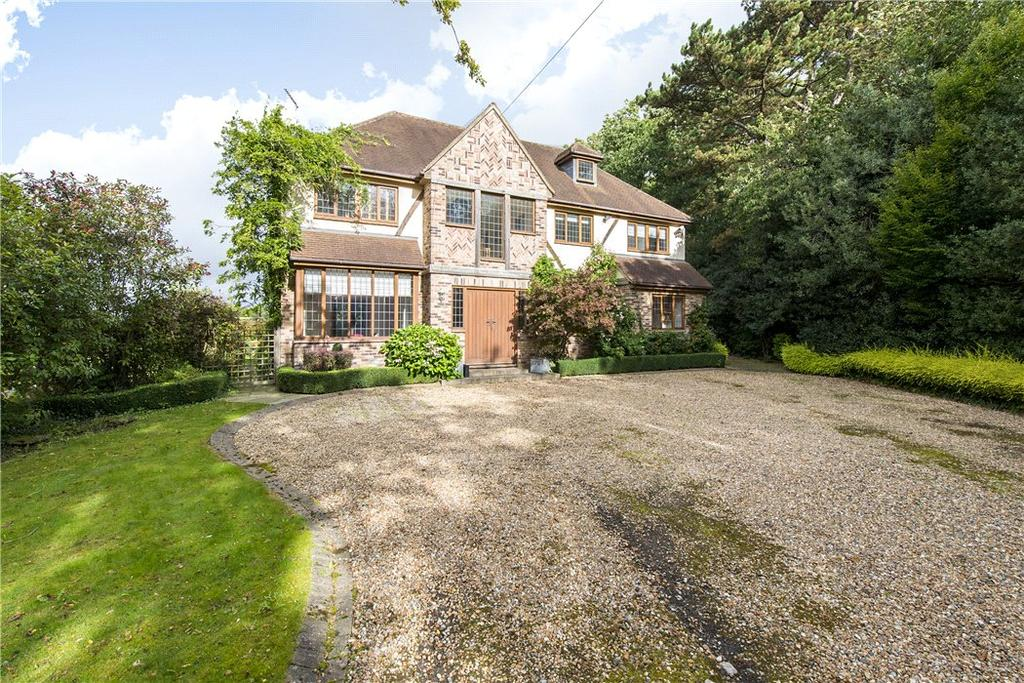 4 Bedrooms Detached House for sale in Edgwarebury Lane, Elstree, Hertfordshire, WD6