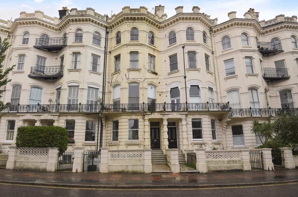 1 Bedroom Flat for sale in Denmark Terrace Brighton East Sussex BN1