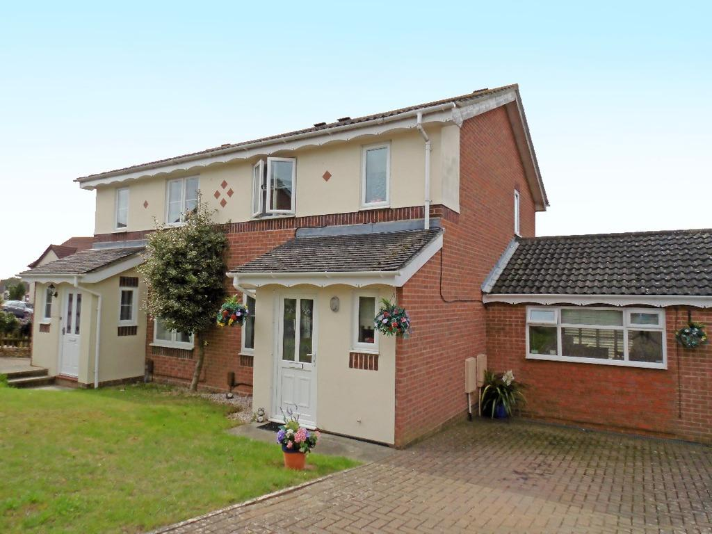 3 Bedrooms Semi Detached House for sale in Henge Way Portslade East Sussex BN41