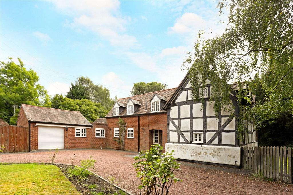 4 Bedrooms Detached House for sale in Kington, Worcestershire