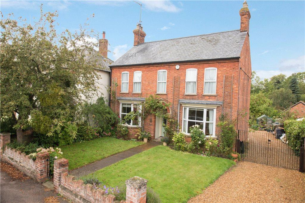4 Bedrooms Unique Property for sale in High Street, Riseley, Bedfordshire