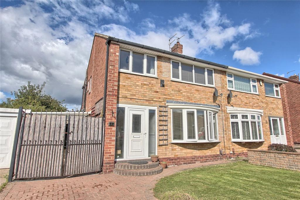 3 Bedrooms Semi Detached House for sale in Chestnut Drive, Marton