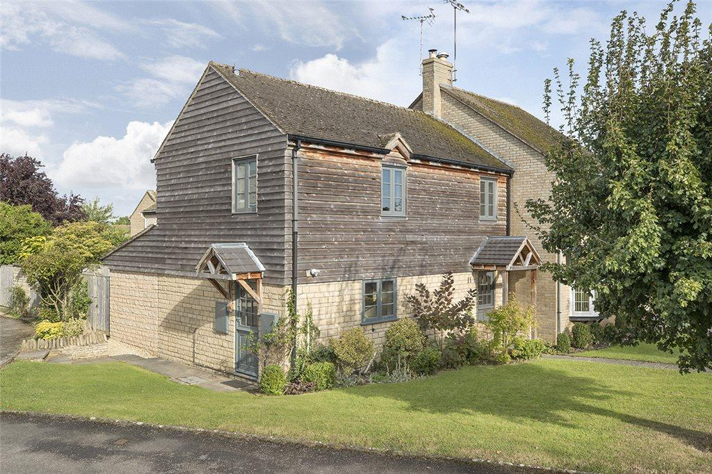 3 Bedrooms Semi Detached House for sale in Fleece Road, Broadway, Worcestershire, WR12